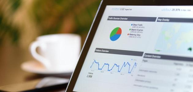 ما الذي تسمح لك تحليلات مواقع الويب بفعله